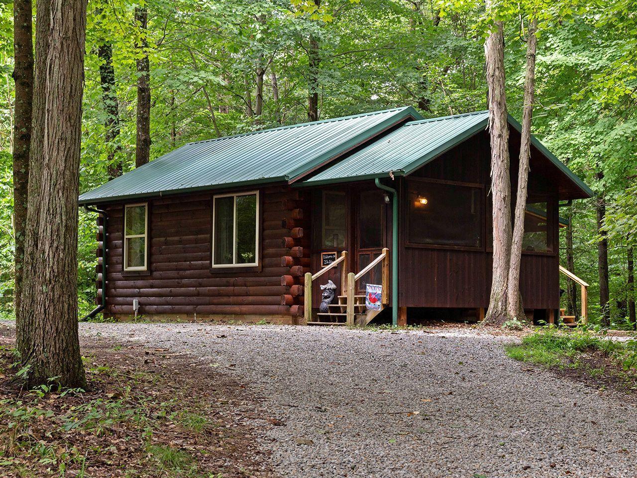 Woods Cabin hocking Hills